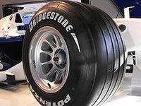 220px-Bmw_tire_f1.jpg
